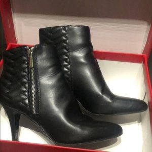 Impo black quilted boots